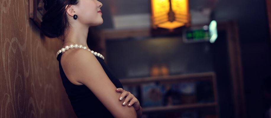 熟女さんとの出会いで大切なのが、とにかく褒めること! 年齢が上がれば上がるほど女性は自信がなくなりますので、これはかなり効果的です。 とにかく褒めちぎっていい気分にしてセックスへ持ち込みましょう!