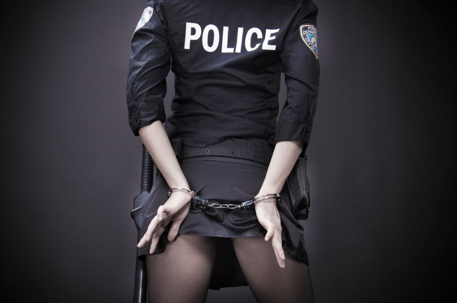 盗撮は立派な犯罪です! くれぐれも良い子のみんなは絶対に真似しないでね。